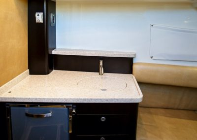 Hydrasports 53 - Galley - Kitchen